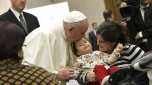 TIẾP KIẾN CHUNG CỦA ĐGH 16/01/2019: Gọi Chúa là Cha như em bé tin tưởng cha của mình