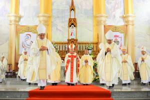 Tân Giáo phận Hà Tĩnh: Mừng ngày thành lập Giáo phận và khởi đầu sứ vụ của Đức Giám mục Phaolô Nguyễn Thái Hợp