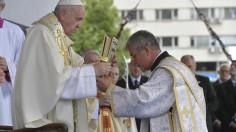 ĐTC cử hành thánh lễ đầu tiên tại Bulgari