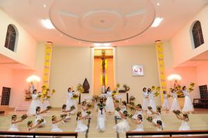 Gx. Hòa Lâm: Dâng hoa kính mừng Mẹ