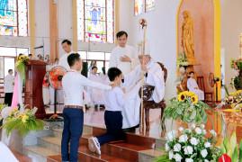 Gx. Long Điền: Thánh lễ ban Bí tích Thêm Sức