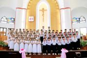 Gx. Long Hương: 68 thiếu nhi rước lễ lần đầu