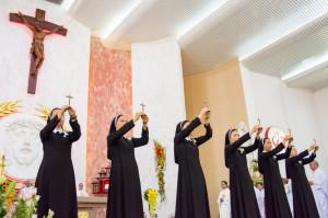 Tin ảnh: Hội Dòng Mến Thánh Giá Bà Rịa: Mừng hồng ân thánh hiến