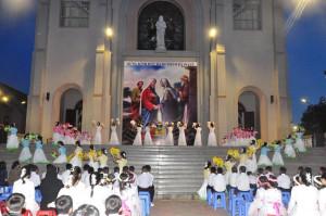 Tin Ảnh: Gx. Vinh Trung: Bế mạc Tháng Hoa tôn kính Đức Mẹ