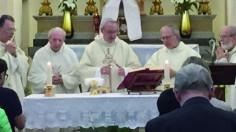 Một linh mục có 4 người con linh mục