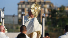 ĐTC cử hành lễ Mình Máu Thánh và kiệu Thánh Thể ở Casal Bertone