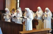 Toà Thánh tháo dỡ lời khấn của 34 nữ tu Pháp