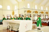 Giáo xứ Hồ Tràm: Chầu Thánh Thể thay Giáo phận