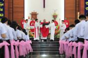 Gx. Hòa Hội: Thánh lễ ban Bí tích Thêm Sức