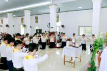 Gx. Đất Đỏ: Thánh lễ ban Bí tích Thánh Thể lần đầu và Tuyên hứa Bao Đồng