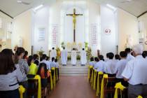 Tin Ảnh: Gx. Đức Mỹ: Thánh lễ khai mạc ngày Chầu Thánh Thể thay Giáo phận 2019