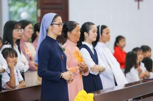Tin ảnh: Gx. Bông Trang: Nữ tu Maria Anna Trần Thị Hóa dâng lễ tạ ơn vĩnh khấn