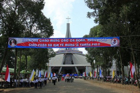 GP. Bà Rịa: Ban Thánh nhạc mừng lễ Thánh Piô X- Bổn mạng các ca nhạc đoàn