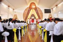 Gx. Hòa Xuân: Thánh lễ ban Bí Tích Thêm Sức và làm phép nhà giáo lý