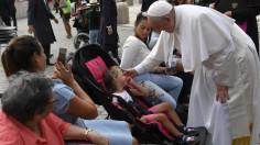 """""""Giáo hội là bệnh viện chiến trường"""", ưu tiên chăm sóc các bệnh nhân và người yếu đuối nhất"""