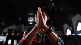Tín hữu Trung quốc hành hương ngăn cản việc phá đền thánh Đức Mẹ