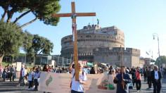 Các nghị phụ đi Đàng Thánh giá ở Roma