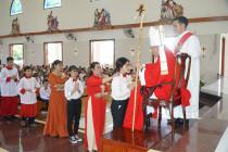 Tin Ảnh: Gx. Láng Cát: Thánh lễ ban Bí tích Thêm Sức