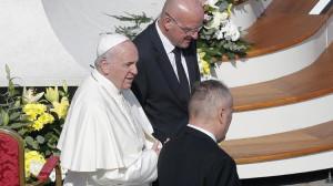 ĐTC nhận đơn từ chức của chỉ huy trưởng hiến binh Vatican