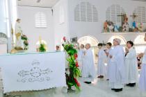 Tin ảnh: Gx. Kim Hải: Chầu Thánh Thể thay giáo phận 2019