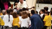 Đức Thánh Cha gặp nhân viên và bệnh nhân bệnh viện nhi đồng Bambino Gesù