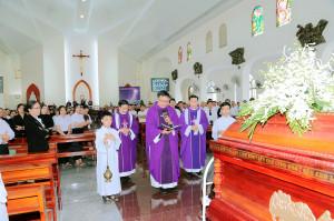 Gx. Phước Lâm: Thánh lễ an táng Bà cố Maria Nguyễn Thị Thi – Thân mẫu Lm. Gioan Vũ Minh Vương