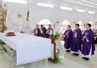 Tin Ảnh: Gx. Long Kiên: Chầu Thánh Thể thay giáo phận 2019