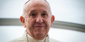 Bí quyết sống tươi trẻ của Đức Thánh Cha dù bước sang tuổi 83