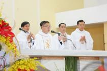 Tin Ảnh: Gx. Quảng Nghệ: Tân linh mục Phaolô Bùi Duy Phát dâng thánh lễ tạ ơn