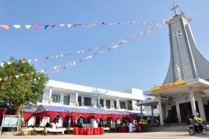 Gx. Hòa Tân: Thánh lễ tạ ơn mừng khánh thành nhà giáo lý và làm phép Đài Đức Mẹ