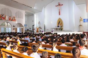Gx. Kim Hải: Đức Cha Emmanuel dâng thánh lễ cầu nguyện cho giáo xứ