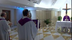 ĐTC Phanxicô cám ơn nghĩa cử anh hùng của các nhân viên y tế và các linh mục (24/03)