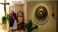 ĐTC Phanxicô cầu nguyện cho những người hoảng sợ đại dịch (30/03)