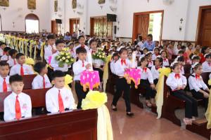 Tin Ảnh: Gx. Xuân Sơn: Thánh lễ ban Bí tích Thánh Thể lần đầu- Ngày 19.7.2020