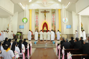 Gx. Phước Tỉnh: Thánh lễ khai mạc ngày Chầu Thánh Thể thay Giáo phận