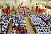 Tin Ảnh: Gx. Quảng Nghệ: Thánh lễ ban Bí tích Thêm Sức và Bí tích Thánh Thể lần đầu