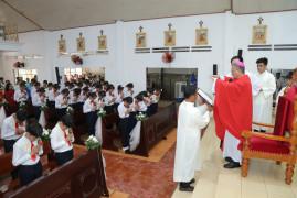 Gx. Long Tân: Thánh lễ ban Bí tích Thêm sức cho 44 em thiếu nhi trong xứ
