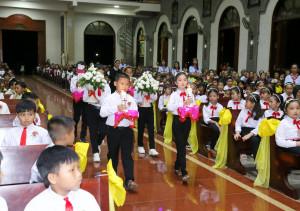 Tin Ảnh: Gx. Sơn Bình: Thánh lễ ban Bí tích Thánh Thể lần đầu- Ngày 10.9.2020