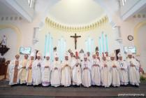 Thánh lễ tạ ơn và chuyển giao sứ vụ tại Giáo phận Hưng Hóa