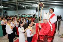 Gx. Nam Bình: Thánh lễ ban Bí tích Thêm sức cho 114 thiếu nhi và 07 tân tòng