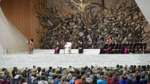 ĐTC Phanxicô: Thiên Chúa luôn ở bên cạnh, lắng nghe khi chúng ta đau khổ