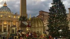 Ngày 11/12, mở và thắp sáng hang đá và cây thông Giáng sinh tại quảng trường thánh Phê-rô