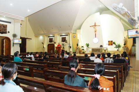 Tin Ảnh: Caritas Bà Rịa: Cử hành thánh lễ cầu nguyện cho anh chị em nhiễm HIV/AIDS trong Giáo phận