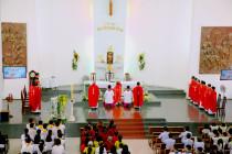 Tin Ảnh: Gx. Dũng Lạc: Thánh lễ khai mạc ngày Chầu Thánh Thể thay Giáo phận