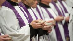 """Tình trạng """"sức khỏe"""" của các linh mục ở Pháp"""