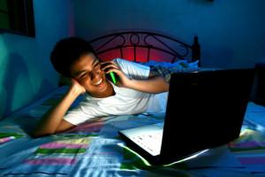 Giới hạn thời gian sử dụng thiết bị màn hình của con cái