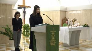 Đức Thánh cha thay đổi luật cho phụ nữ lãnh thừa tác vụ đọc sách và giúp lễ