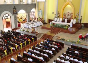 Gx. Sơn Bình: Tân Linh mục Phêrô Nguyễn Văn Anh cử hành lễ tạ ơn