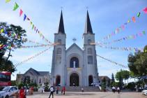 Gx. Vinh Trung: Tân Linh mục Phêrô Trần Đình Lương dâng thánh lễ tạ ơn