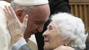 ĐTC thiết lập Ngày Quốc tế Ông bà và Người cao tuổi